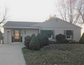 1370 Robinwood Dr 3 Beds House for Rent Photo Gallery 1
