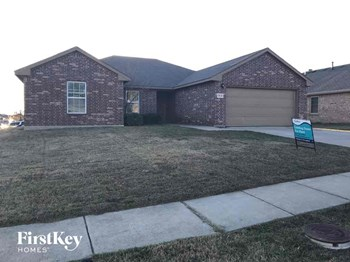 15636 Danson Dr 5 Beds House for Rent Photo Gallery 1