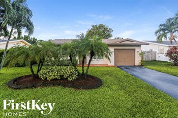 3166 NW 69th Ct 2 Beds House for Rent Photo Gallery 1