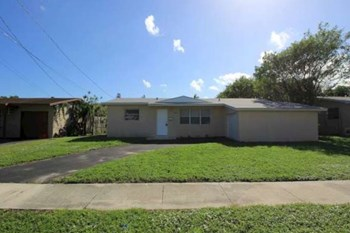 4920 NW 11Th St 4 Beds House for Rent Photo Gallery 1