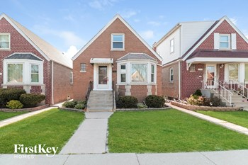 6531 S Kostner Ave 4 Beds House for Rent Photo Gallery 1