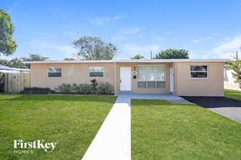 6940 Fillmore St 3 Beds House for Rent Photo Gallery 1