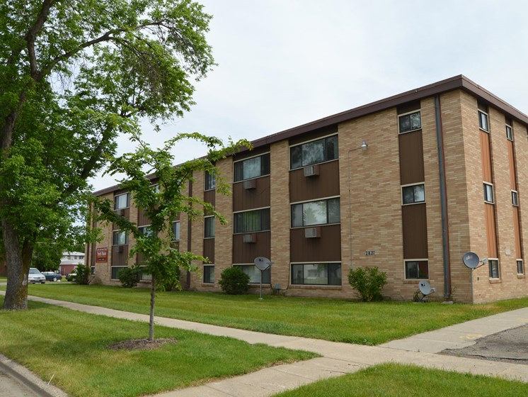 North Manor Apartments | Fargo, ND