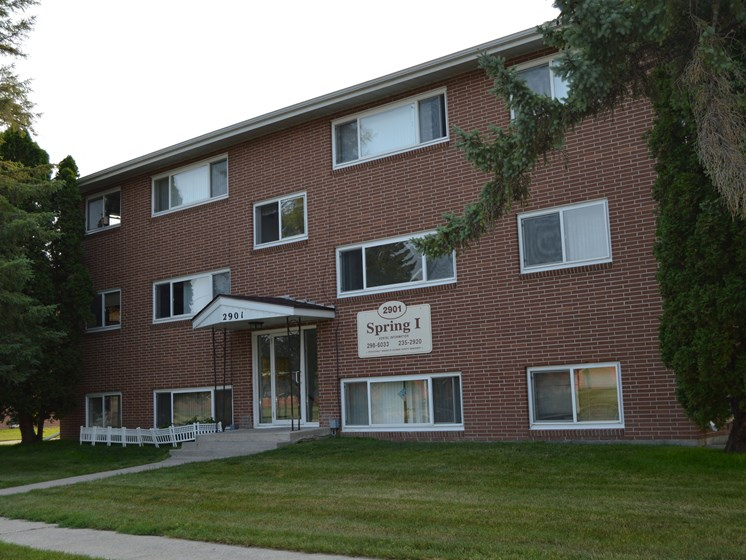 Spring Apartments | Fargo, ND