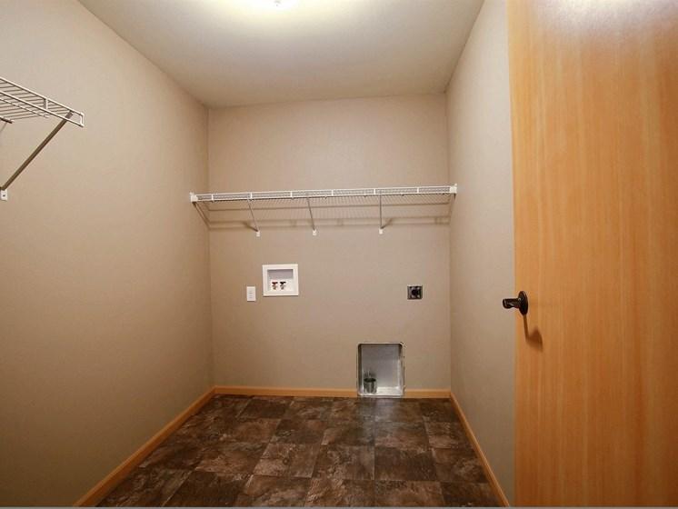 Urban Plains Apartments | 1 Bdrm-Plan A-Lndry Closet