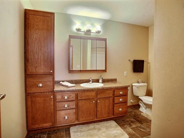 Wolf Creek Apartments | 1 Bdrm - Bath