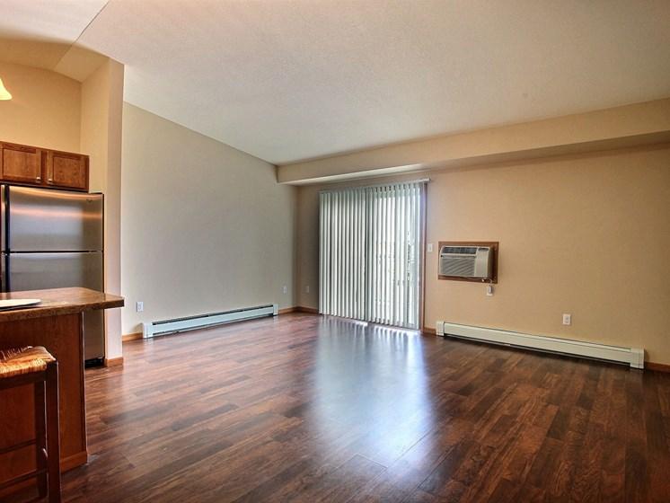 Wolf Creek Apartments | 1 Bdrm - Living Room