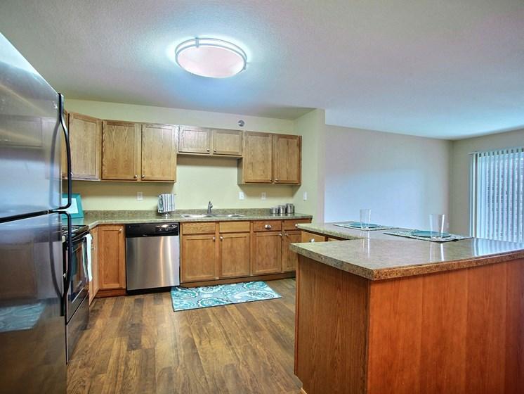 Wolf Creek Apartments | 3 Bdrm - Kitchen