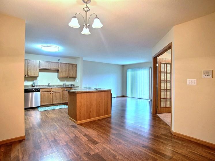 Wolf Creek Apartments | 3 Bdrm - Living Rm-Kitchen