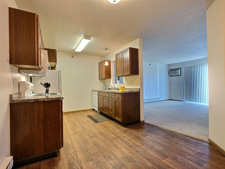 Eagle Run Apartments | 2 Bdrm - Kitchen - Dining
