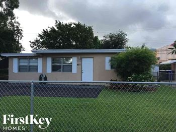 407 S 61st Ave 3 Beds House for Rent Photo Gallery 1