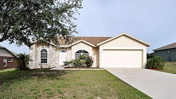 706 Tartan Loop 3 Beds House for Rent Photo Gallery 1