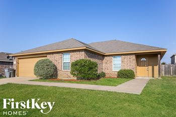 925 Haley Dr 4 Beds House for Rent Photo Gallery 1