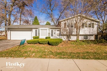 206 Lakeview Dr 5 Beds House for Rent Photo Gallery 1