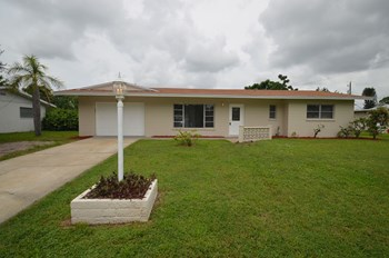 361 Gardenia Rd 4 Beds House for Rent Photo Gallery 1