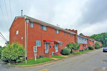 1625 W. Pembroke Ave 1-2 Beds Apartment for Rent Photo Gallery 1