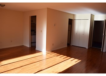 1600 Thompson Heights Avenue Studio-2 Beds Apartment for Rent Photo Gallery 1