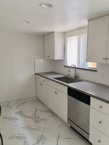 507 E. Cedar Ave. 2 Beds Apartment for Rent Photo Gallery 1
