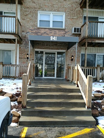 941 N River Drive 1-2 Beds Apartment for Rent Photo Gallery 1