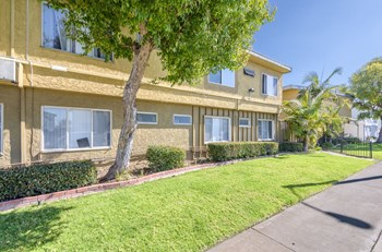 11916 Eucalyptus Ave. 1 Bed Apartment for Rent Photo Gallery 1