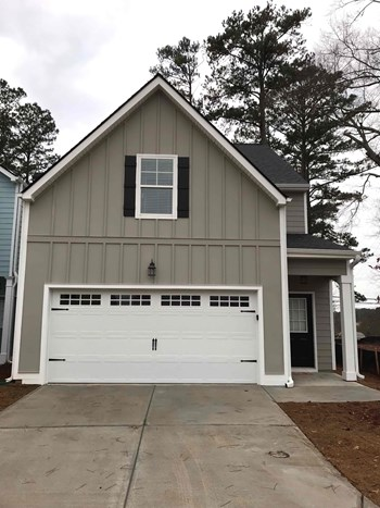 12 B East Newnan Road 4 Beds House for Rent Photo Gallery 1