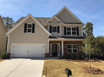111 Village Place 4 Beds House for Rent Photo Gallery 1