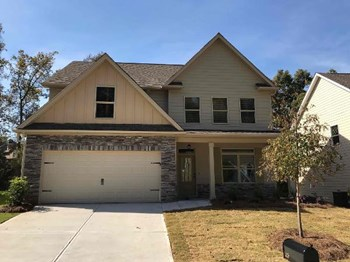 113 Village Place 4 Beds House for Rent Photo Gallery 1