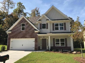 115 Village Place 4 Beds House for Rent Photo Gallery 1