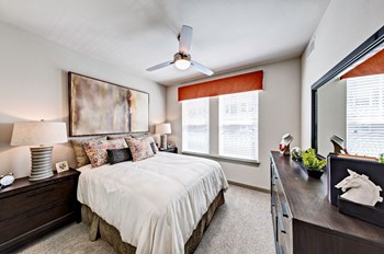 680 E. Algonquin Rd 1-2 Beds Apartment for Rent Photo Gallery 1