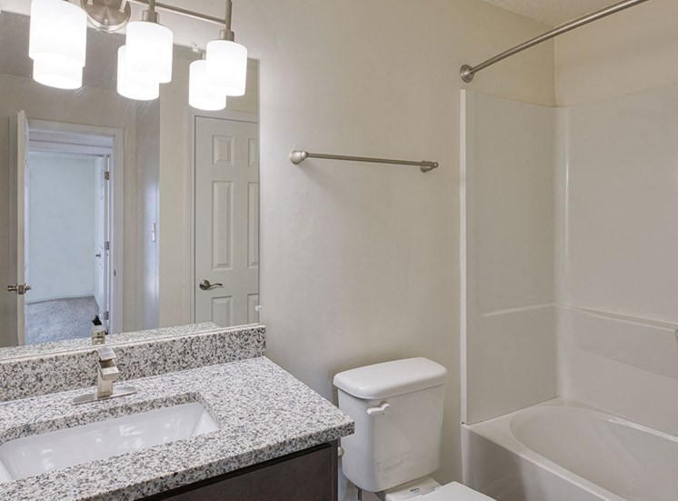 Bath 2 at Latitudes Apartments in Virginia Beach