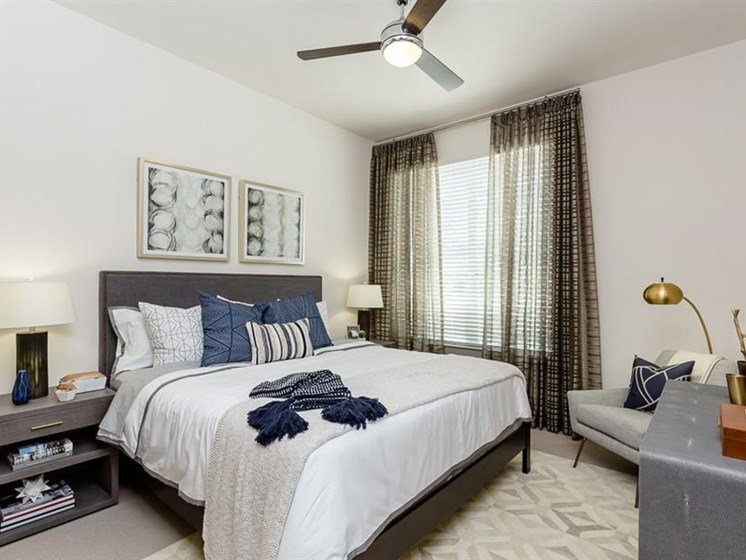 Bedroom in Woodlands Spring area apartments