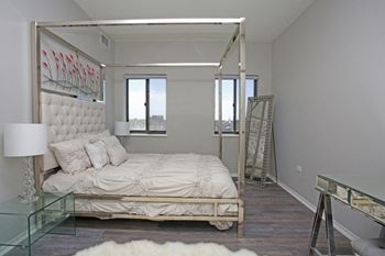 2231 E. 67th St. Studio-2 Beds Apartment for Rent Photo Gallery 1