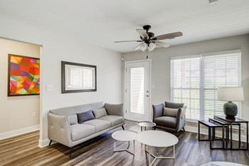 100 Patriot's Pointe Drive 1-2 Beds Apartment for Rent Photo Gallery 1