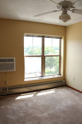 301 Penn Ave N 1-3 Beds Apartment for Rent Photo Gallery 1