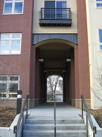 2006 Portland Avenue South 1-3 Beds Apartment for Rent Photo Gallery 1