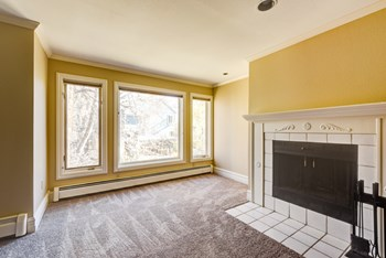 1622 17th St #2C 2 Beds Condo for Rent Photo Gallery 1