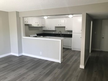 1516 W. 1St St. 1-2 Beds Apartment for Rent Photo Gallery 1