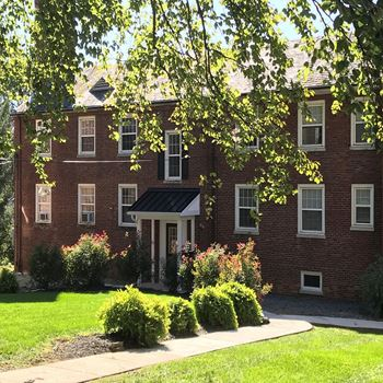 914 New Holland Avenue 2 Beds Apartment for Rent Photo Gallery 1