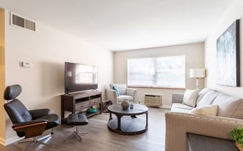 500 East Fulton St. Studio Apartment for Rent Photo Gallery 1