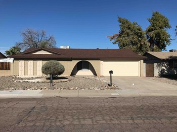 4132 W Desert Cove Avenue 4 Beds House for Rent Photo Gallery 1