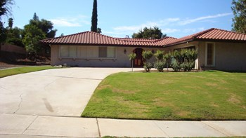 5564 Inner Circle Drive 3 Beds House for Rent Photo Gallery 1