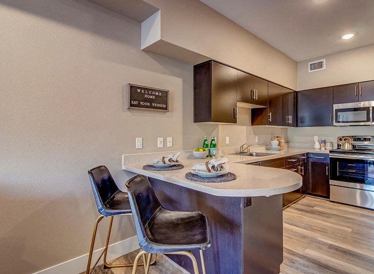 Riverside Park Apartments | Dining