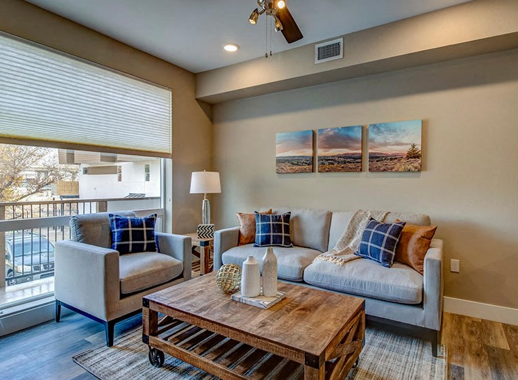 Riverside Park Apartments | Living Area