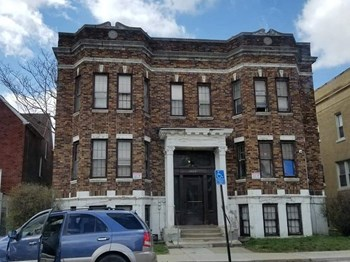 2625 Central Avenue Studio-1 Bed Apartment for Rent Photo Gallery 1