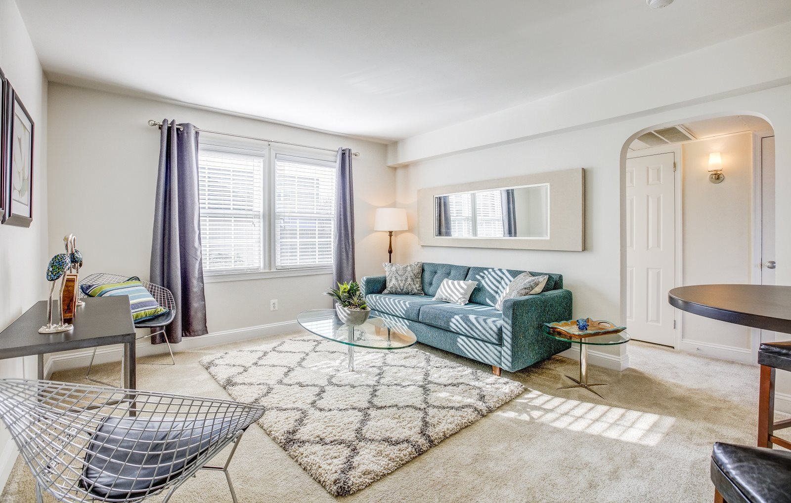 Apartments in arlington va myerton apartments for Three bedroom apartments in arlington va