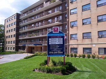 1524 Lawrence Avenue West 1-3 Beds Apartment for Rent Photo Gallery 1