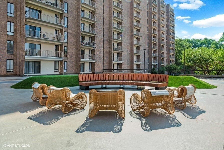 Outside Resident Lounge Area at Trillium Apartments in Fairfax, VA