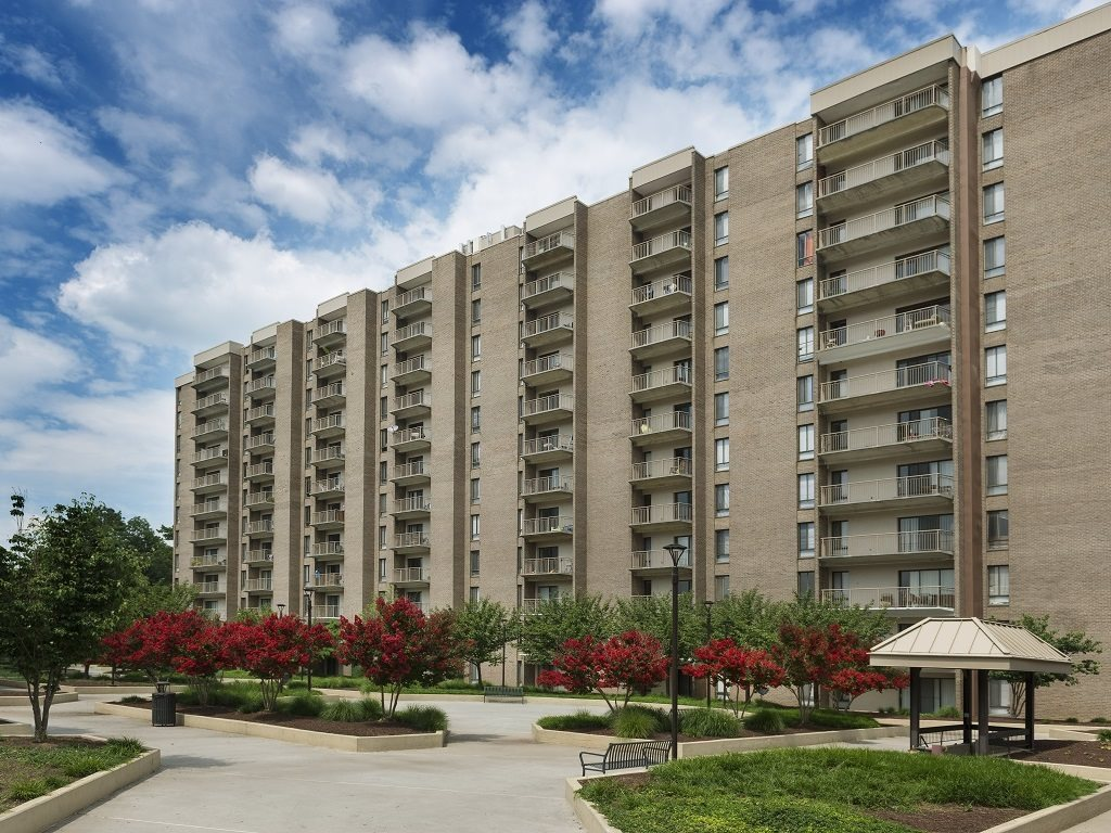Circle Towers apartments and townhomes in Fairfax, VA