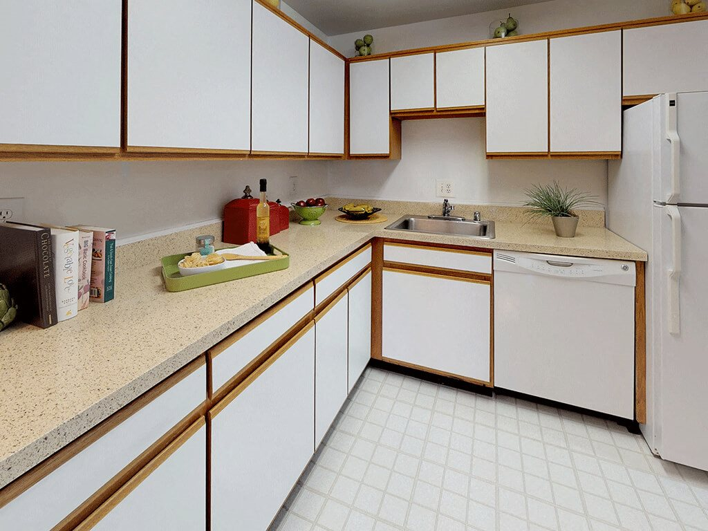CLASSIC Kitchen with Plenty of Counter Space at Trillium Apartments in Fairfax, VA