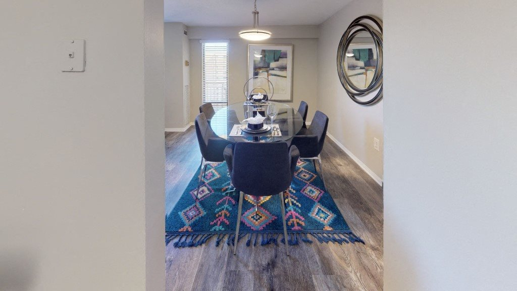 PLATINUM Dining Area at Trillium Apartments in Fairfax, VA